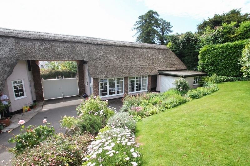 Click here for more about Priory Thatch Cottage