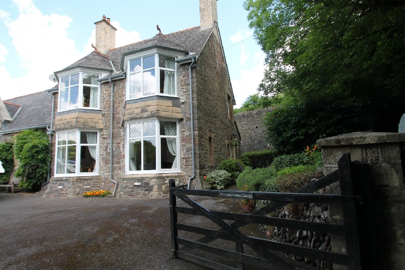 Click here for more about Headmasters Cottage