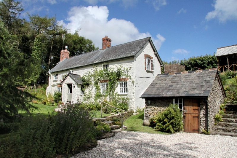 Click here for more about Lower Goosemoor Cottage