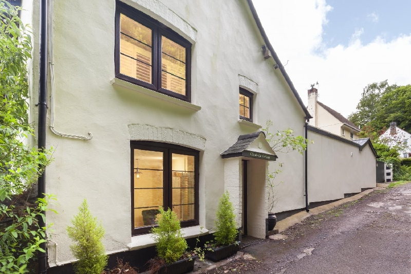 Click here for more about Woodside Cottage