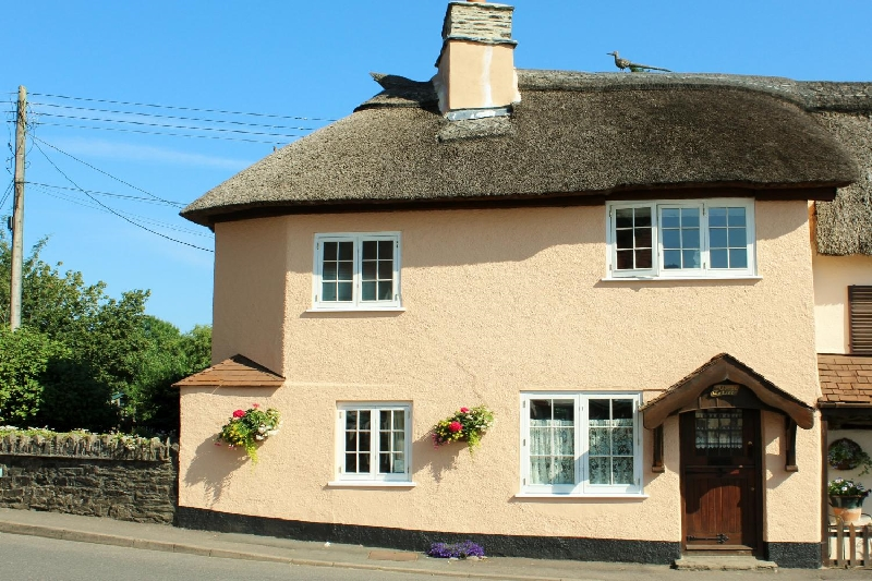 Click here for more about Crown Cottage