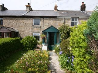 Click here for more about Honnor Cottage