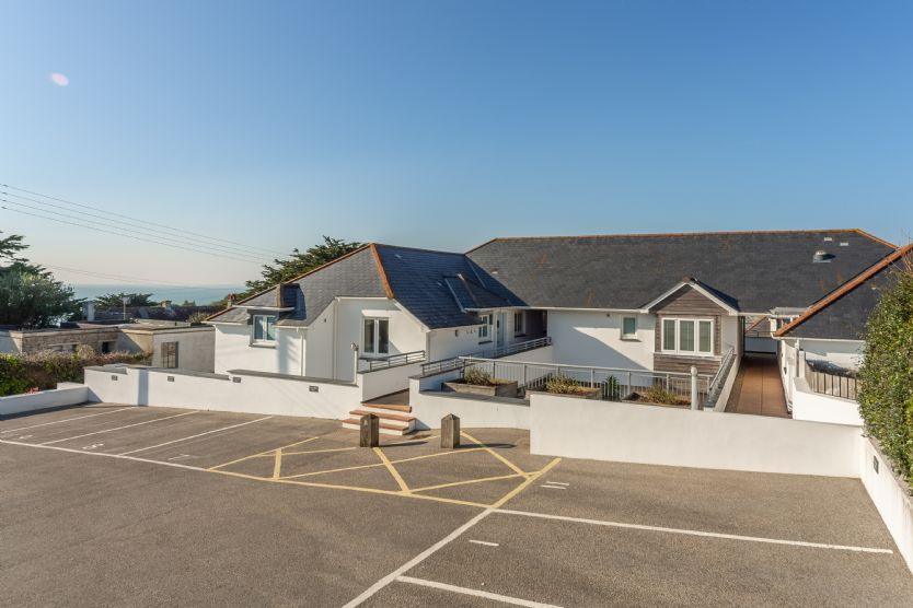 Click here for more about 4 Pentire Rocks