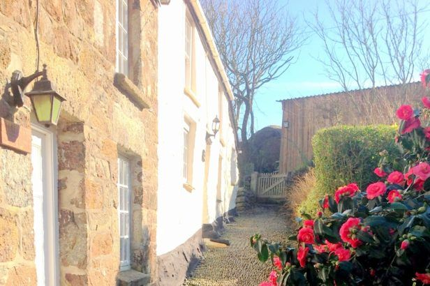 Click here for more about Angel Cottage