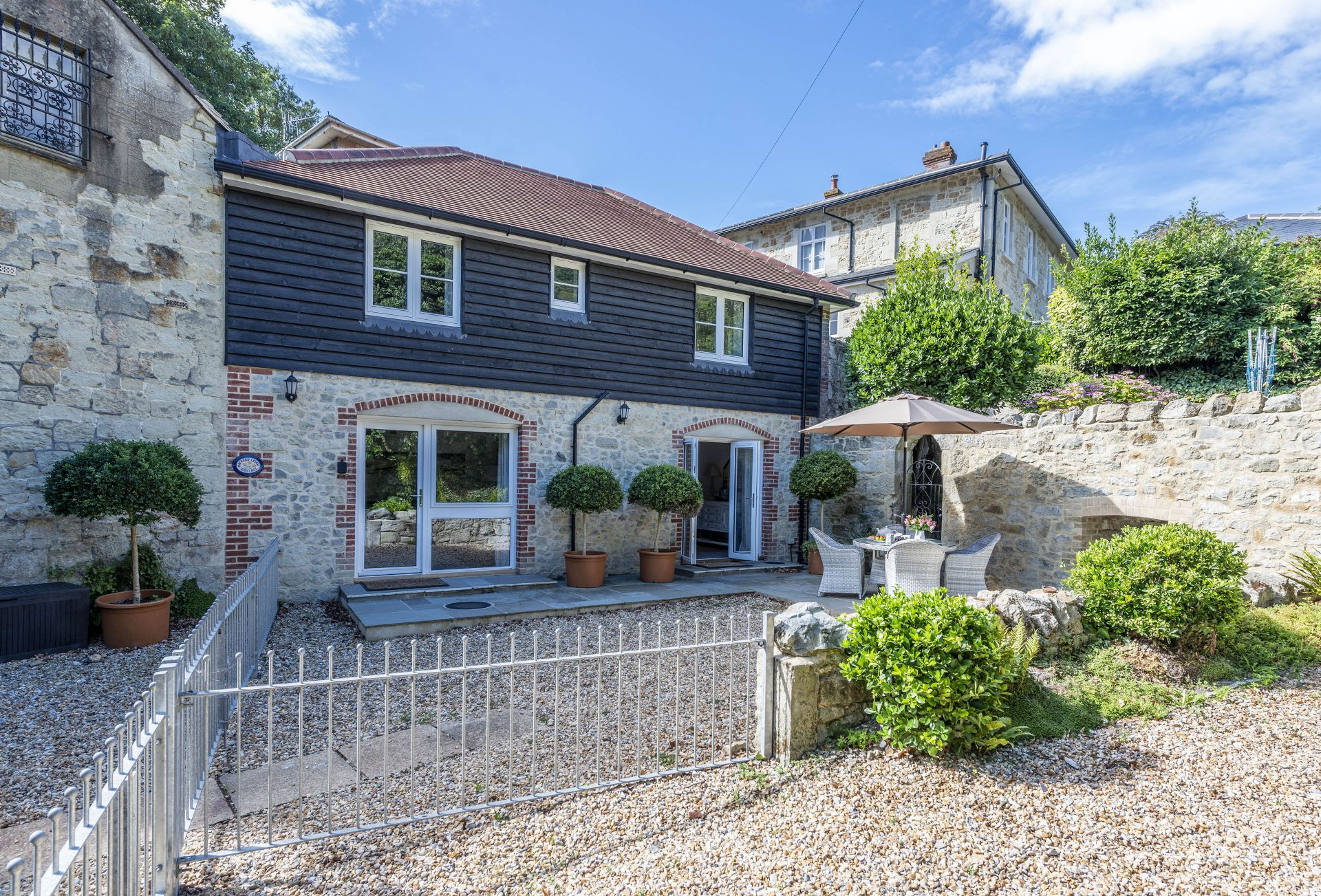 Click here for more about Orchard Leigh Cottage