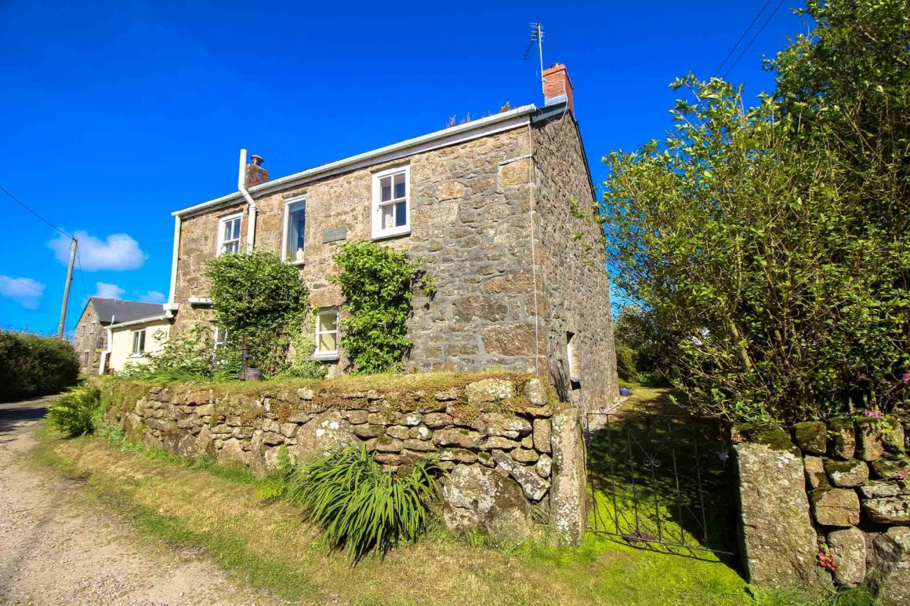 Click here for more about Glebe Farmhouse