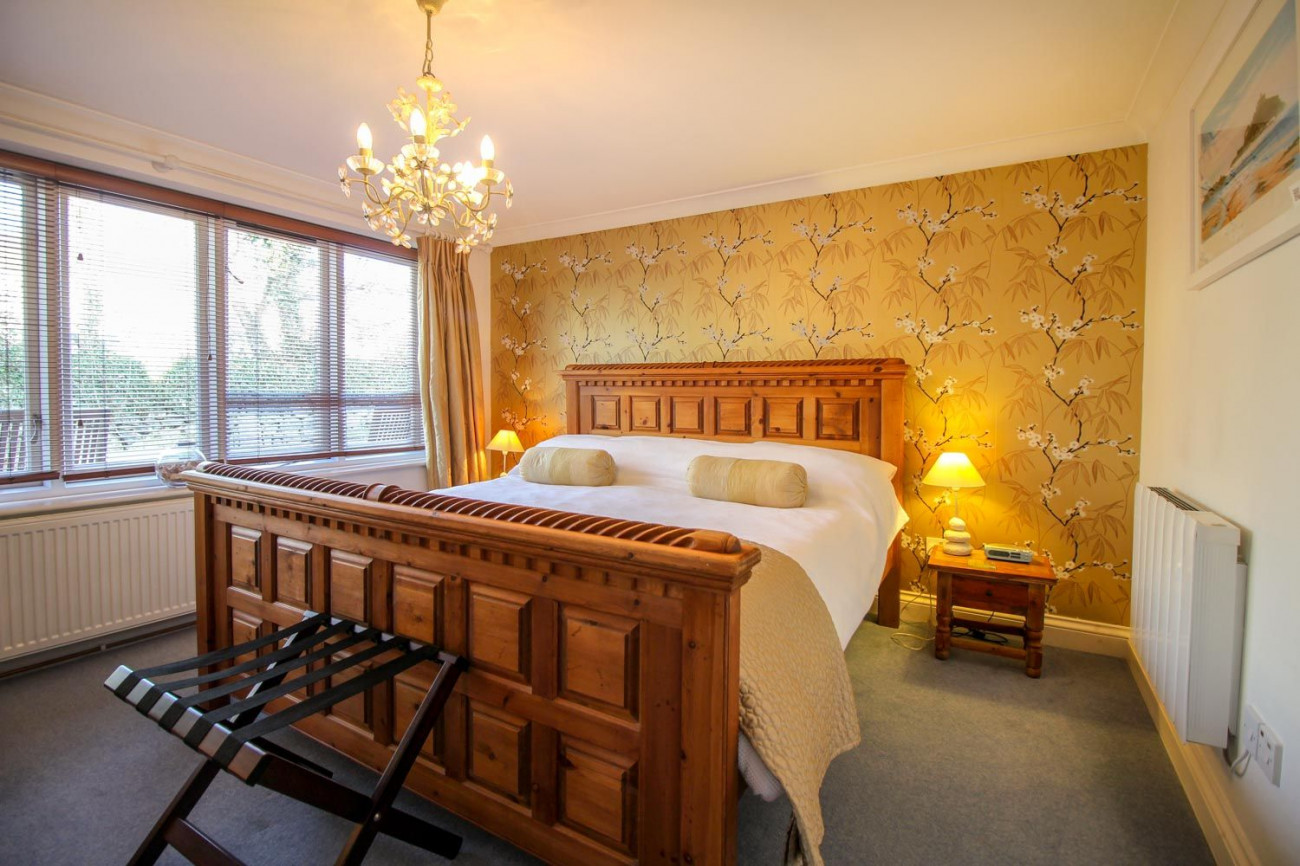 Click here for more about Atlantic Cottage at Rosevidney Manor