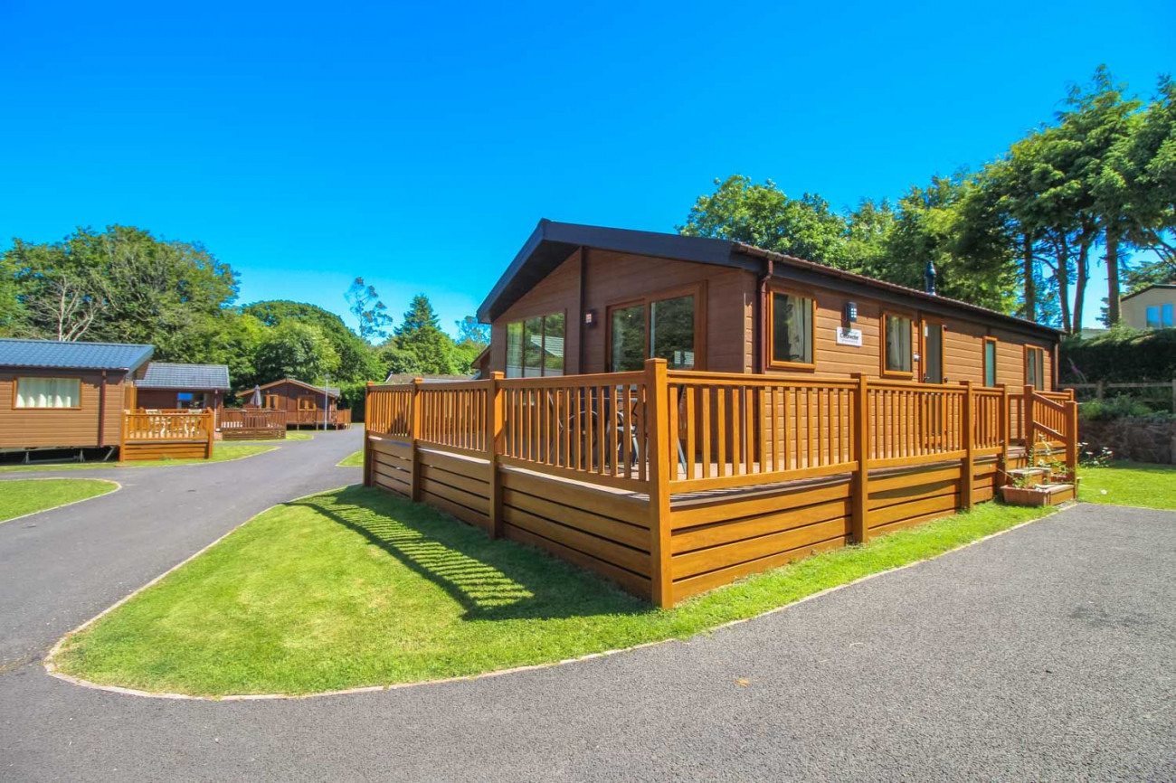 Click here for more about Daisy Lodge