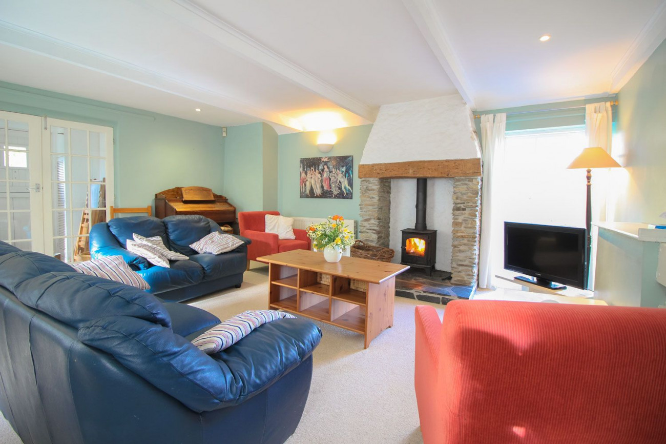 Click here for more about Crugsillick Court