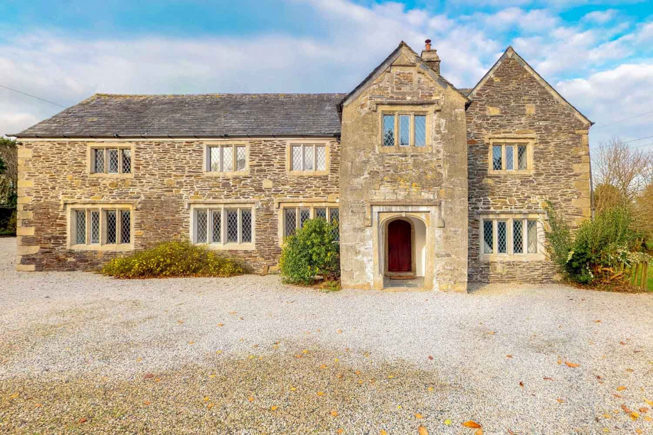 Click here for more about Tretawn Farmhouse