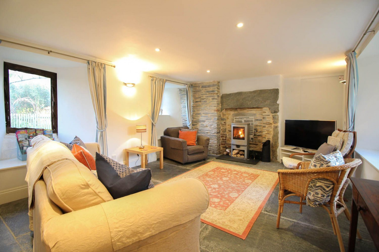 Click here for more about Fontevrault Cottage