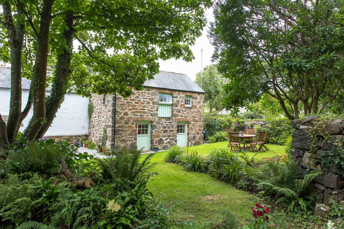 Click here for more about James' Cottage