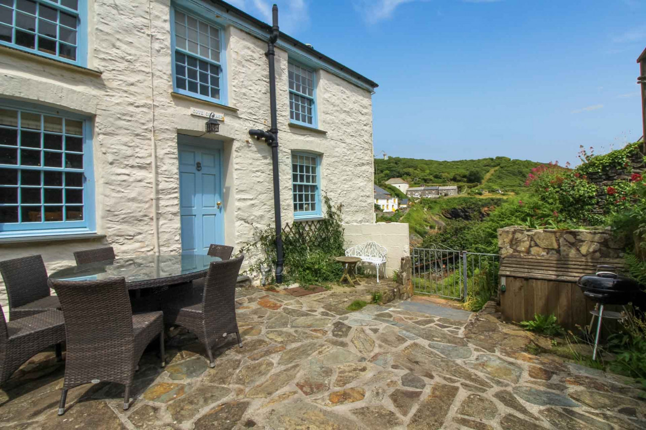 Click here for more about Cove Cottage