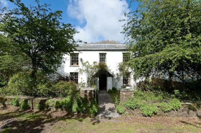 Click here for more about Helsett Farmhouse