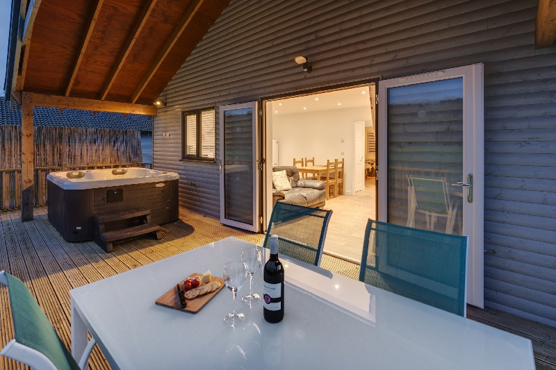 Click here for more about Woodpecker Lodge - Redlake Farm