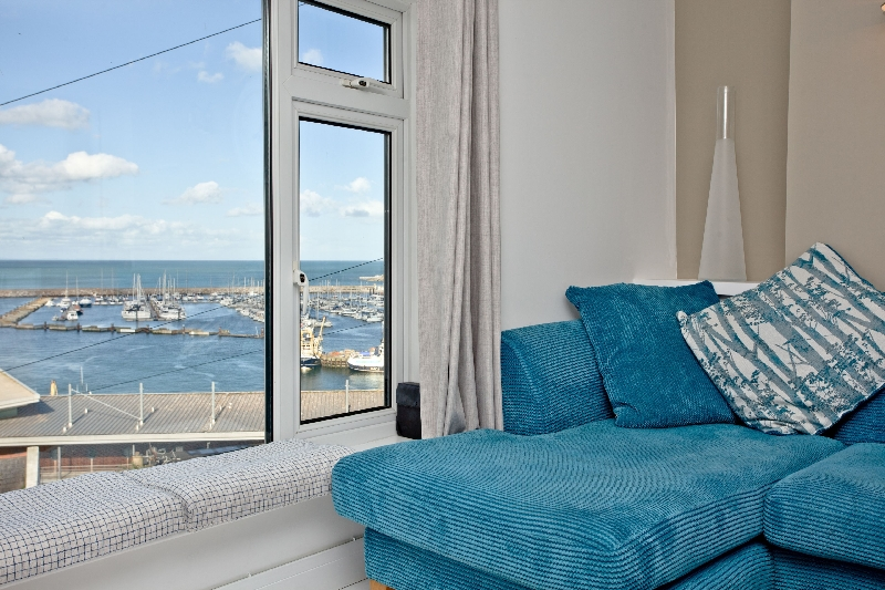 Click here for more about Castaway Cottage