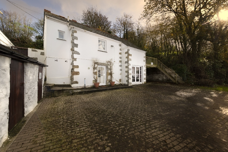 Click here for more about Vale House Barn