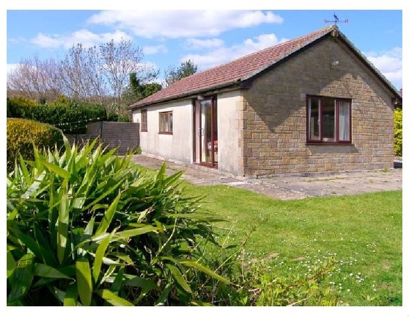 Click here for more about Ryecross Farm Cottage