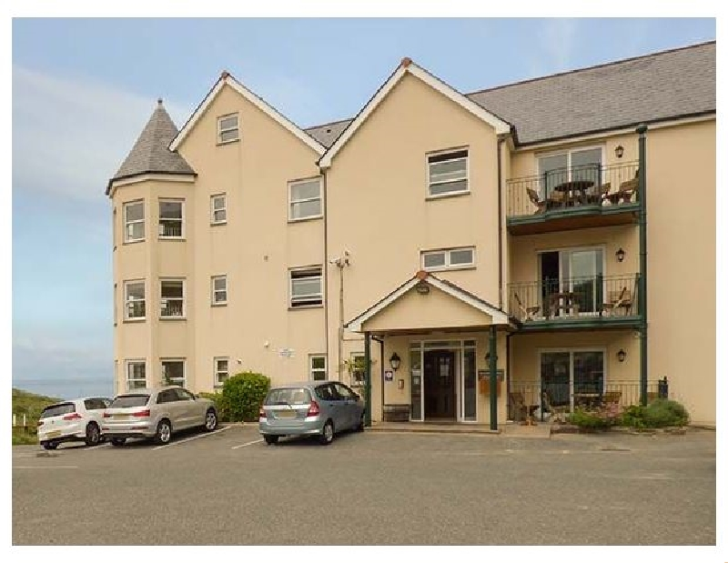 Click here for more about 4 Beachcombers Apartments