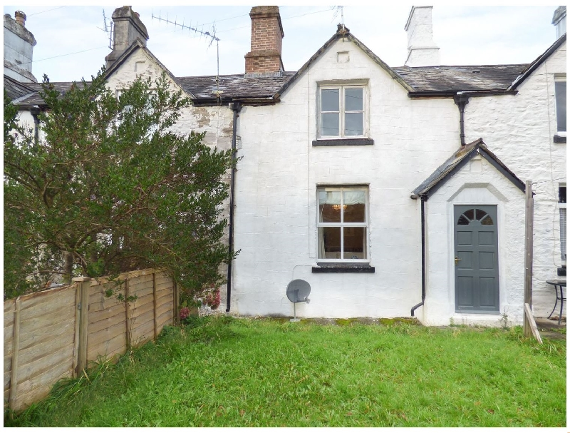 Click here for more about 10 Westbridge Cottages