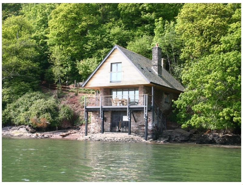 Click here for more about Sandridge Boathouse