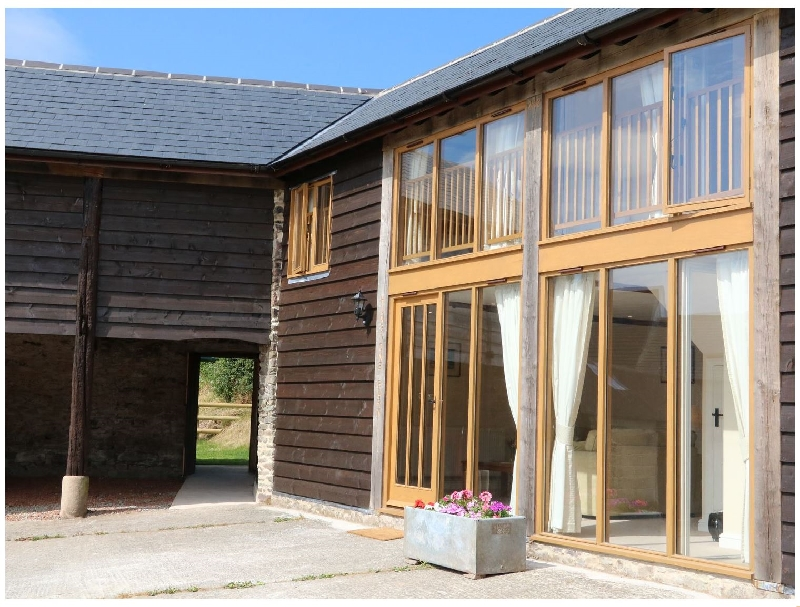 Click here for more about Hunstone Barn