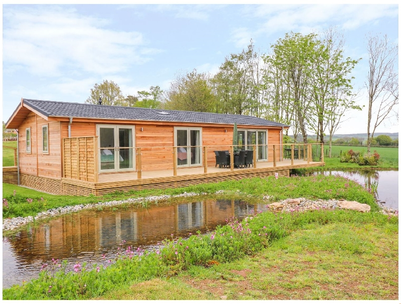 Click here for more about 21 Meadow Retreat