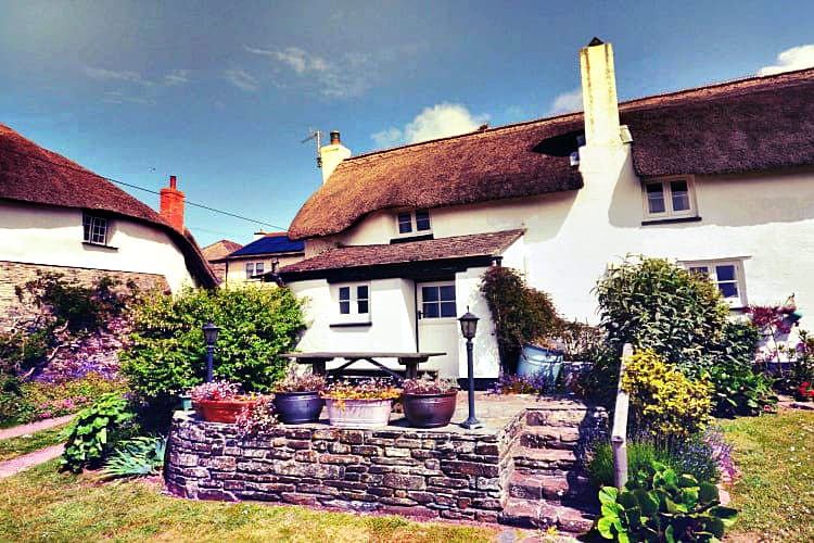 Click here for more about Rose Thatch
