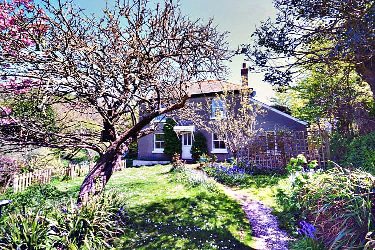 Click here for more about High Hopes Cottage