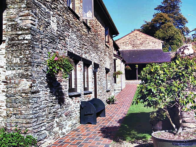 Click here for more about Crocus Cottage