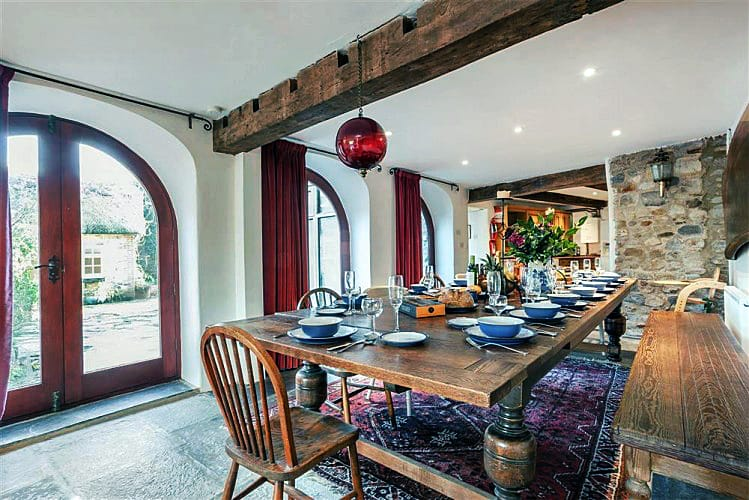 Click here for more about Courtyard Cottages