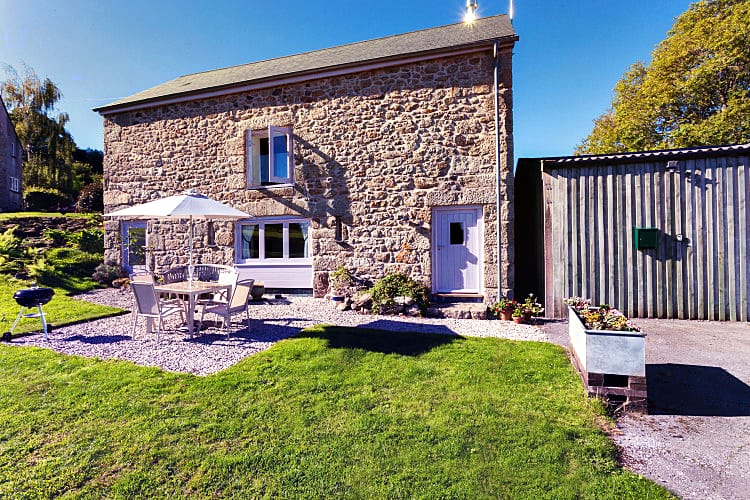 Click here for more about Puddaven Barn
