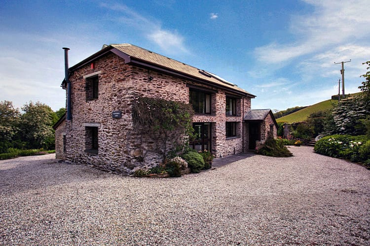 Click here for more about Mendennick Barn