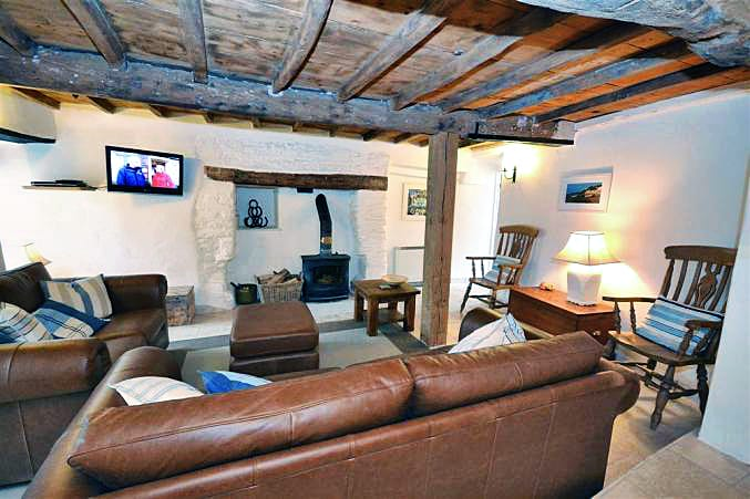 Click here for more about Cob Cottage, Beeson