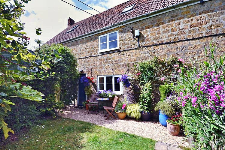 Click here for more about Perhay Cottage
