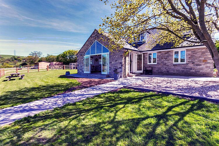 Click here for more about Folly Cottage